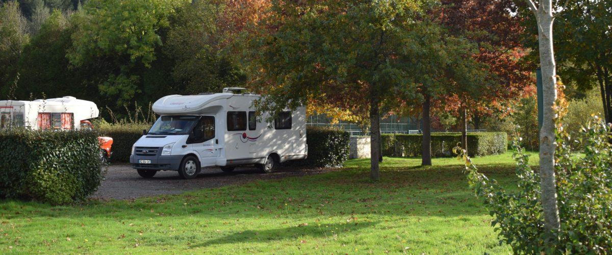 Aire de camping car du stade en centre bourg