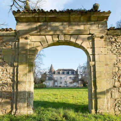 Saint-Priest_Taurion_chateau tourniol_Page_2