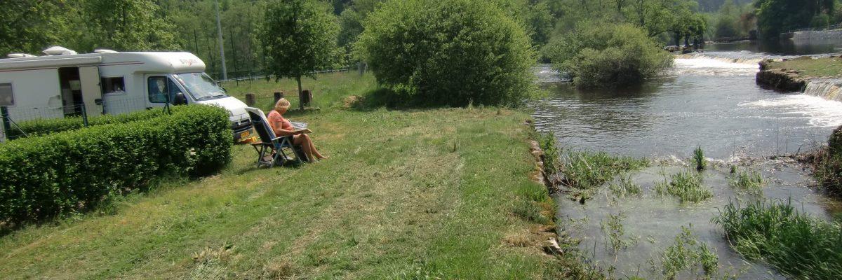 borne pour les camping-cars sur l'esplanade du Taurion